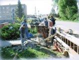 Práce na novém oplocení ÚV - květen 2006